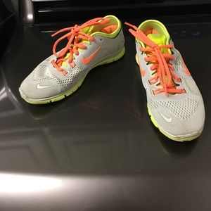 Nike Shoes - Nike free run shoes